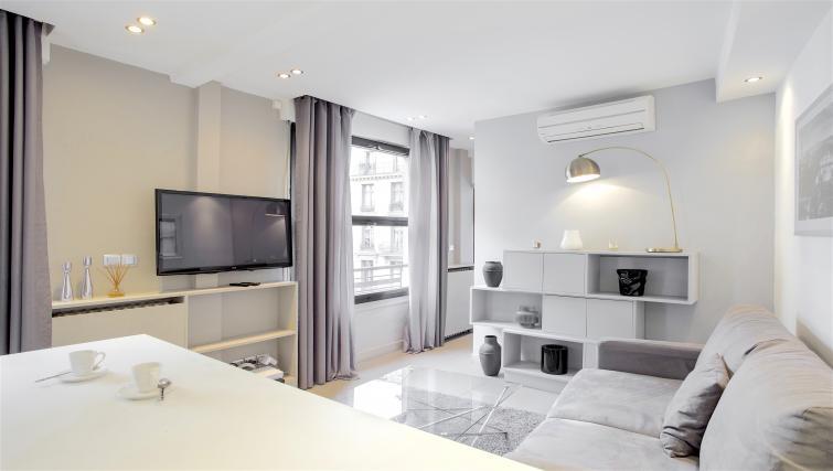 Tv at Saint Lazare Apartments - Citybase Apartments