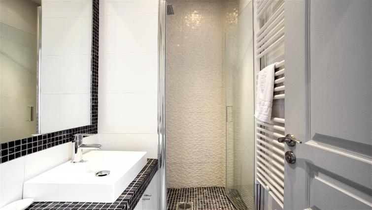 Bathroom at Saint Lazare Apartments - Citybase Apartments