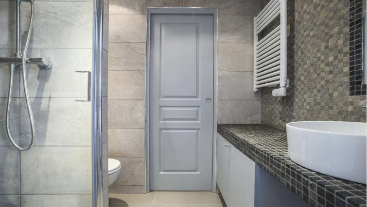 sink at Saint Lazare Apartments - Citybase Apartments