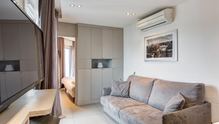 Loug e at Saint Lazare Apartments - Citybase Apartments