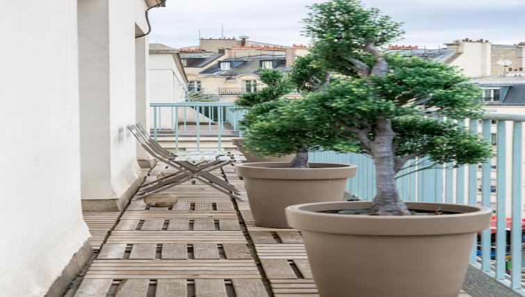 shared terrace at Saint Lazare Apartments - Citybase Apartments