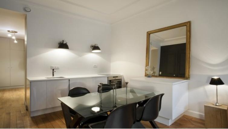 Dining table at Drouots Apartments - Citybase Apartments