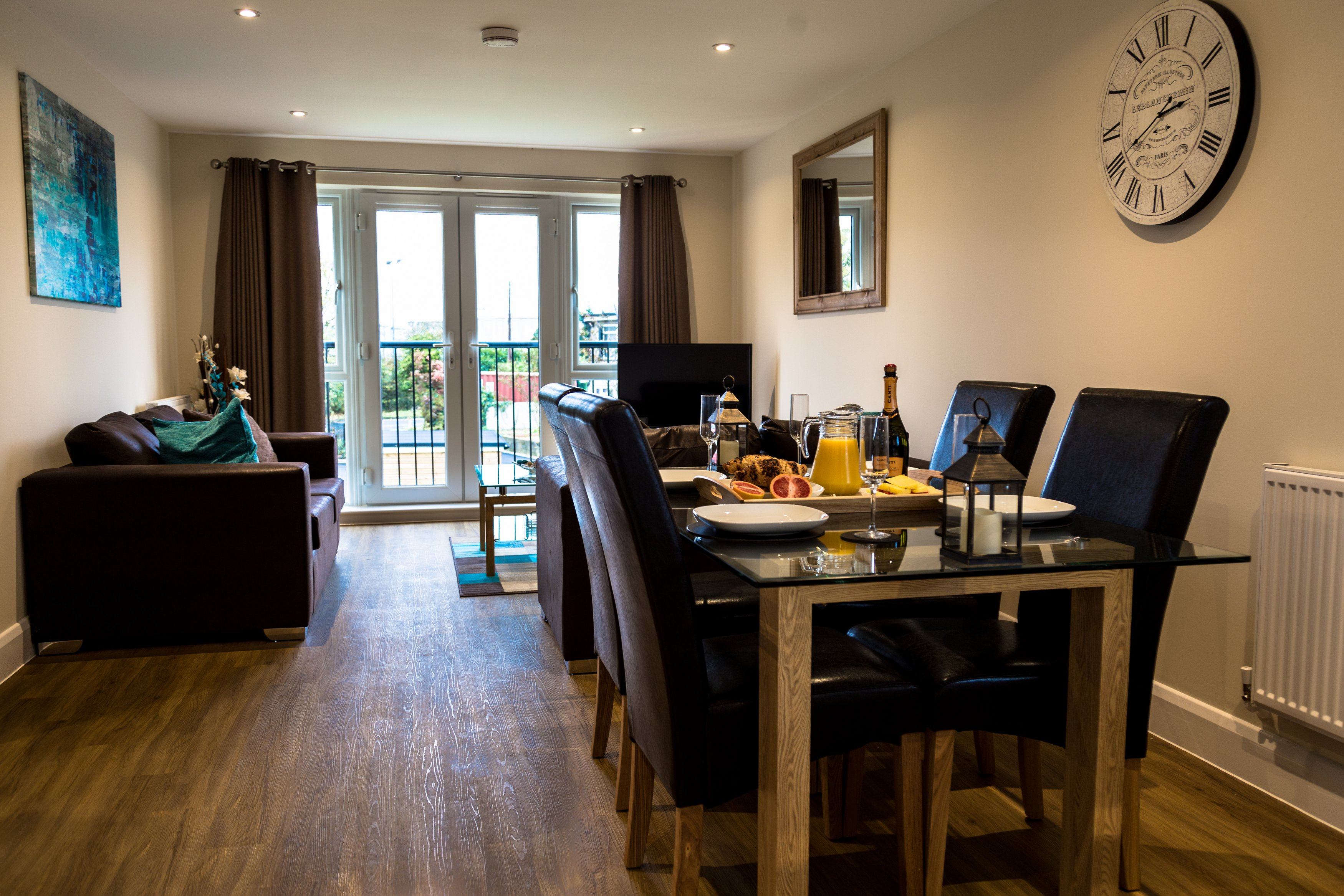 Dining area at London Heathrow Living Serviced Apartments - Citybase Apartments