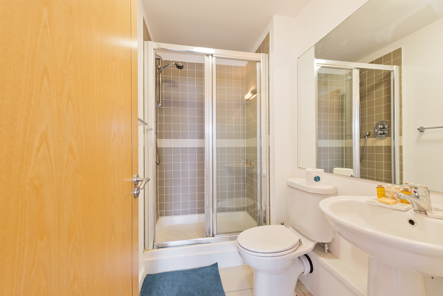 Shower at Spacious Grand Canal Apartments - Citybase Apartments