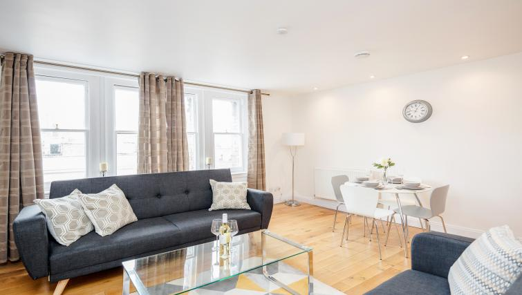 Bright living room at Great Mayfair Apartment - Citybase Apartments
