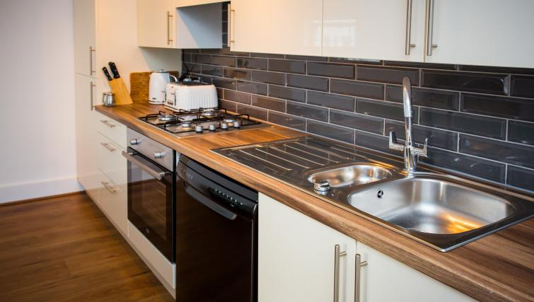 Kitchen facilities at North Street Street - Citybase Apartments