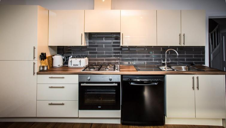 Kitchen at North Street Street - Citybase Apartments