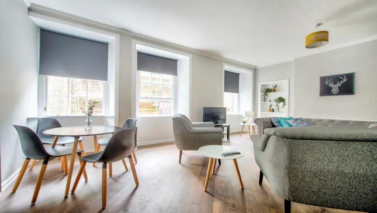 Dining area at Thistle Street Apartment - Citybase Apartments