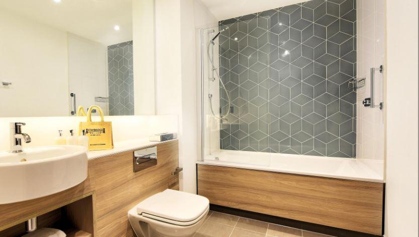 Shower at Staybridge Suites Dundee, East Marketgait, Dundee - Citybase Apartments