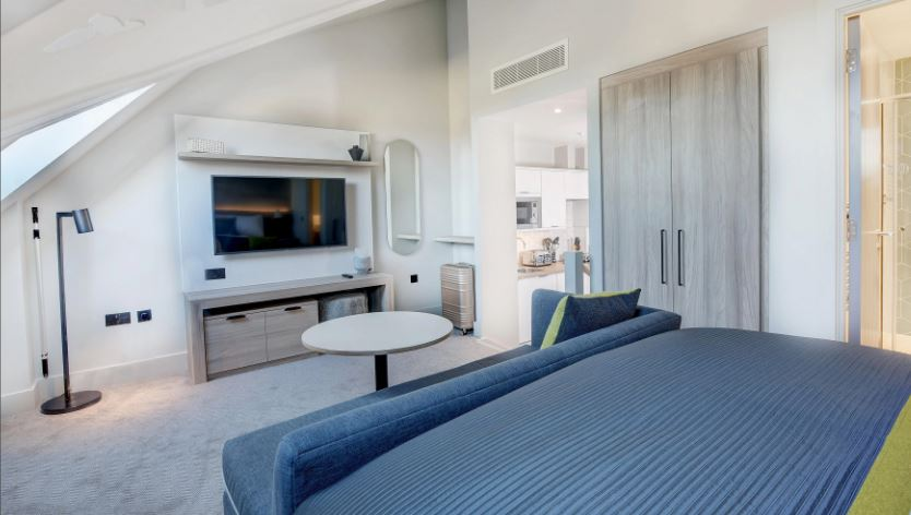 TV at Staybridge Suites Dundee, East Marketgait, Dundee - Citybase Apartments