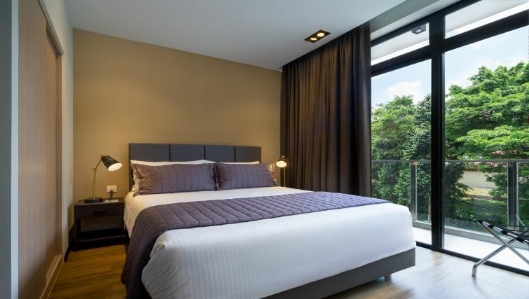 Bedroom at Ariva On Shan Serviced Residences, Singapore - Citybase Apartments