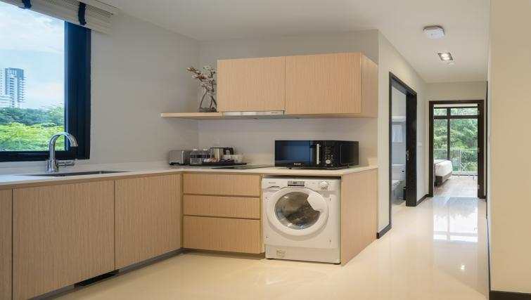 Kitchen at Ariva On Shan Serviced Residences, Singapore - Citybase Apartments