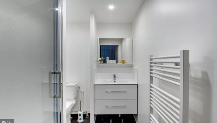 Bathroom at Lallier Apartment - Citybase Apartments