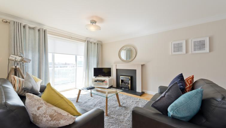 Living room at Iveagh Court Apartments - Citybase Apartments