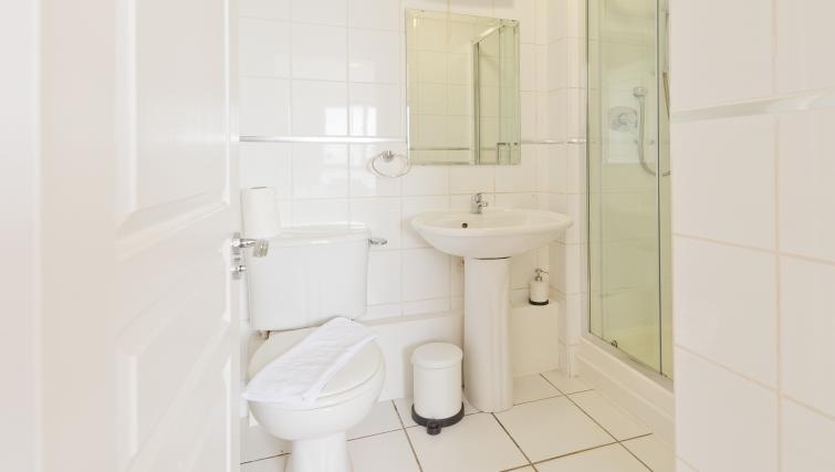 Bathroom at Iveagh Court Apartments - Citybase Apartments