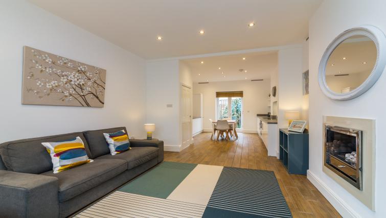 Living room at Alexandra Park Apartments - Citybase Apartments