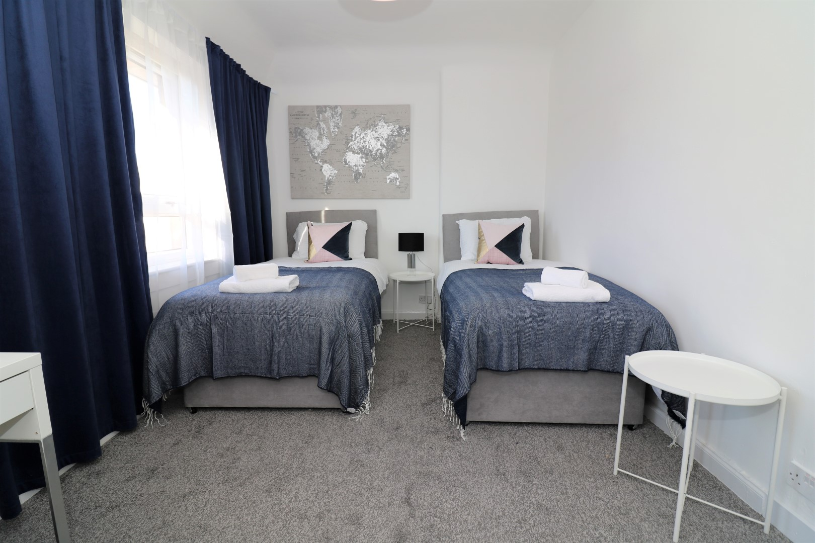 Twin room at Jess View Apartment - Citybase Apartments