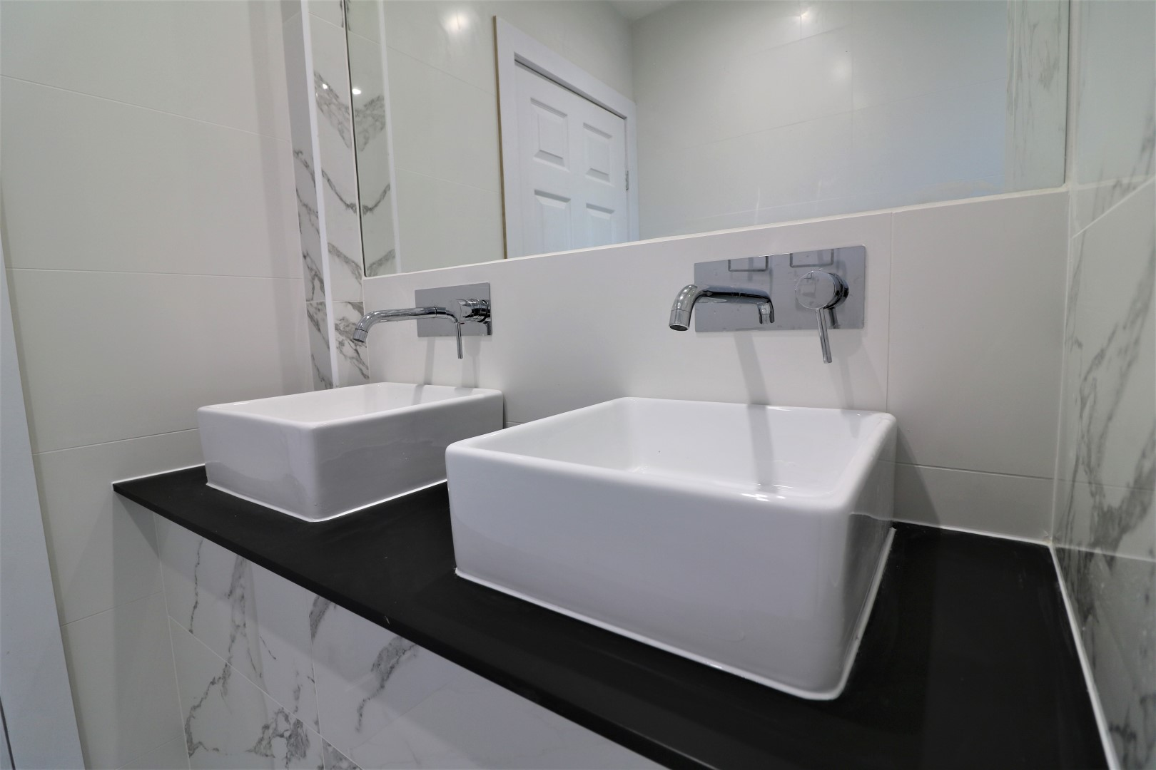 Clean bathroom at Jess View Apartment - Citybase Apartments