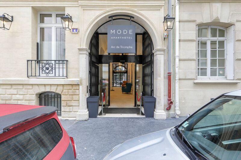 Exterior of Mode Arc De Triomphe Apartments - Citybase Apartments