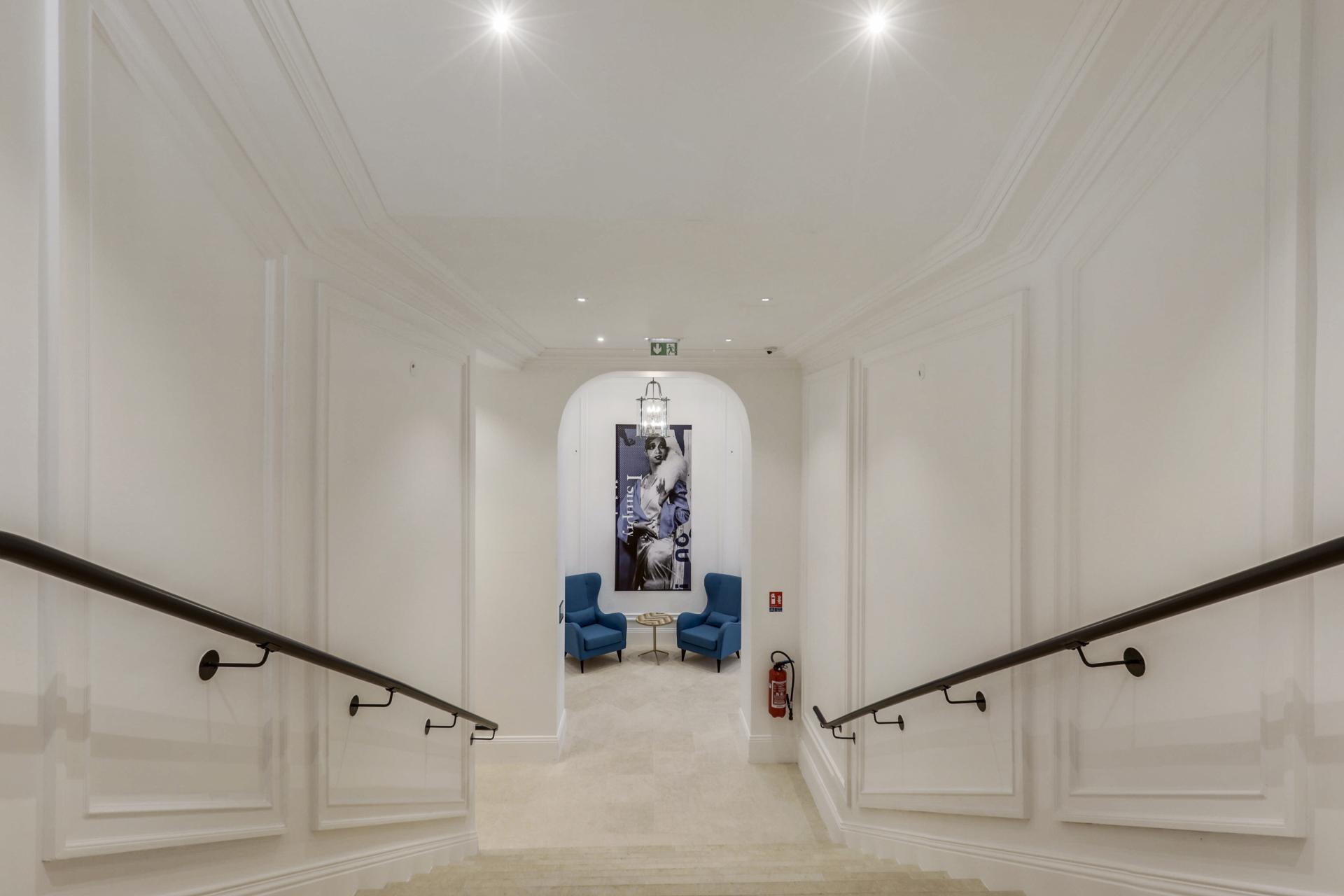Hallwaya t Mode Arc De Triomphe Apartments - Citybase Apartments