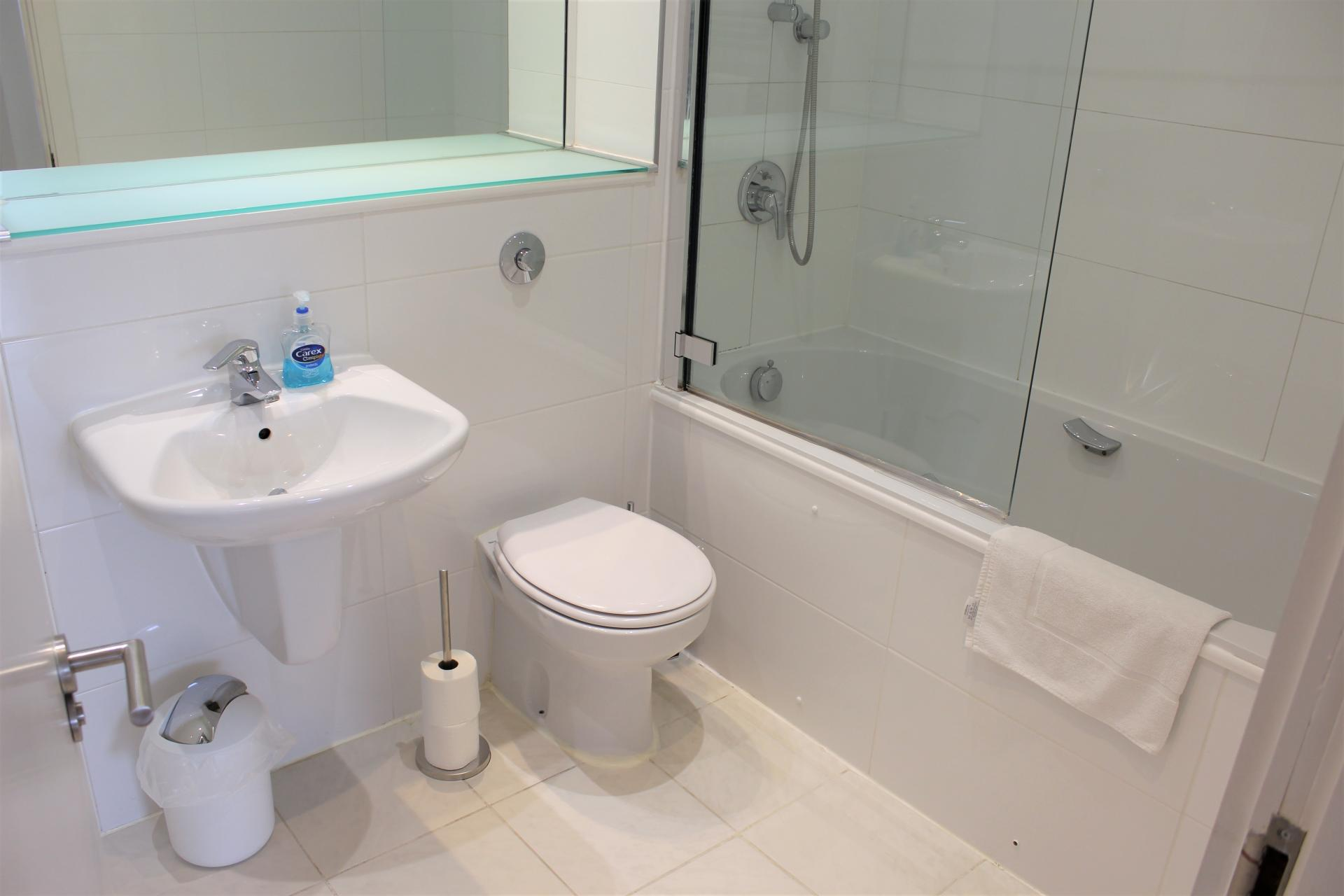 Bath at Ocean Village Serviced Apartments - Citybase Apartments