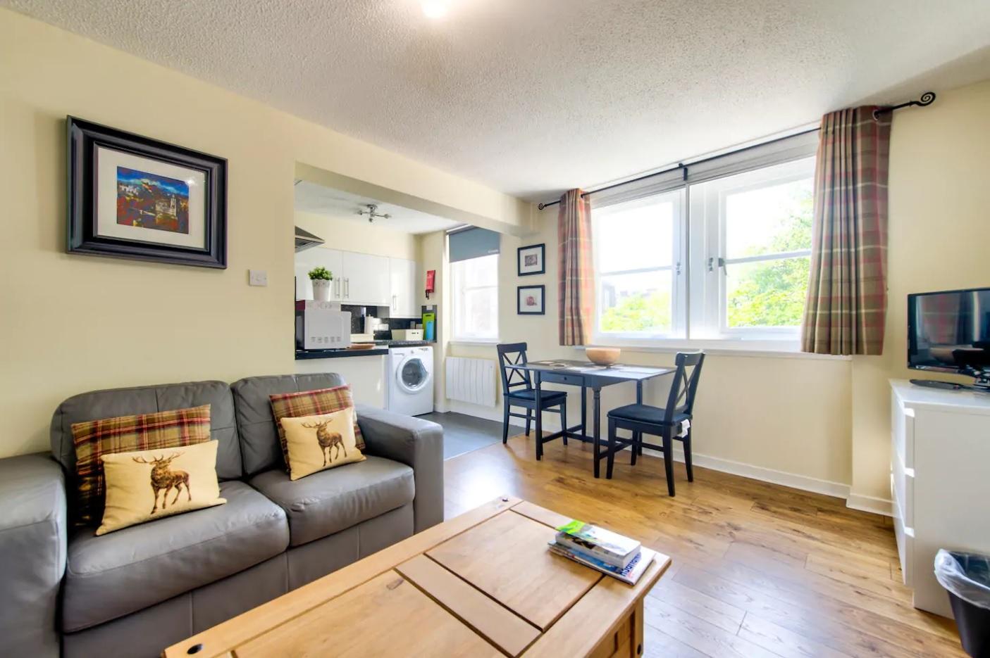 Living room at Grassmarket Studio Apartment - Citybase Apartments