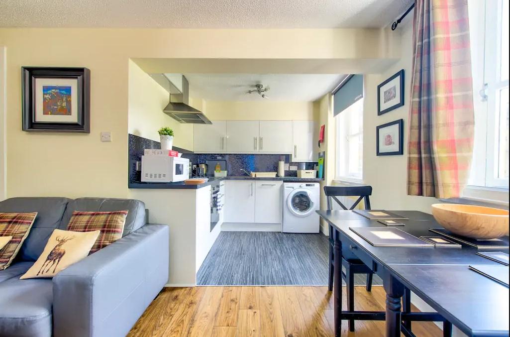 Dining table at Grassmarket Studio Apartment - Citybase Apartments