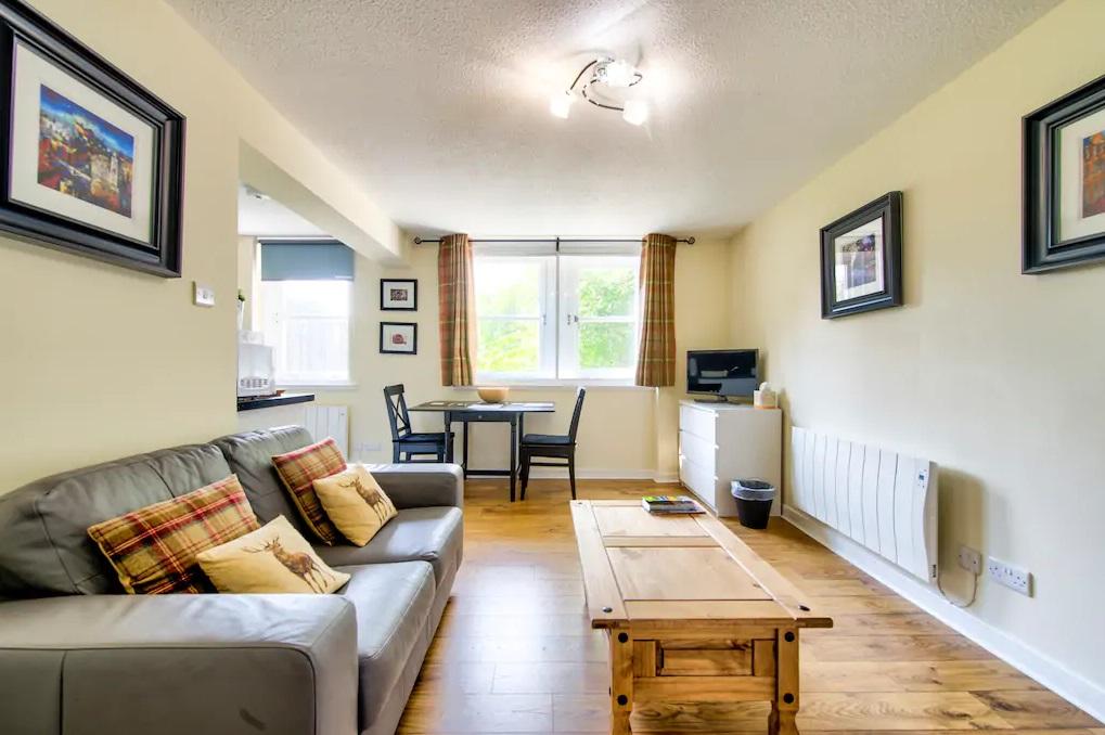 Lounge at Grassmarket Studio Apartment - Citybase Apartments