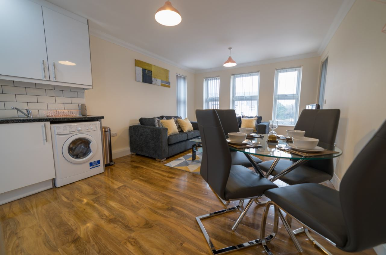 Spacious living area at London Heathrow Serviced Apartments - Citybase Apartments
