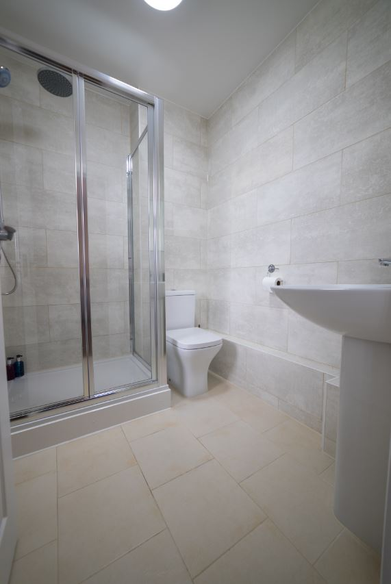 Modern bathroom at London Heathrow Serviced Apartments - Citybase Apartments