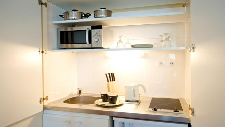 Compact kitchen in Staycity  Paris Gare de L'Est - Citybase Apartments