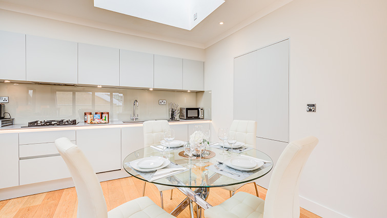 Dining area at Concord House - Citybase Apartments