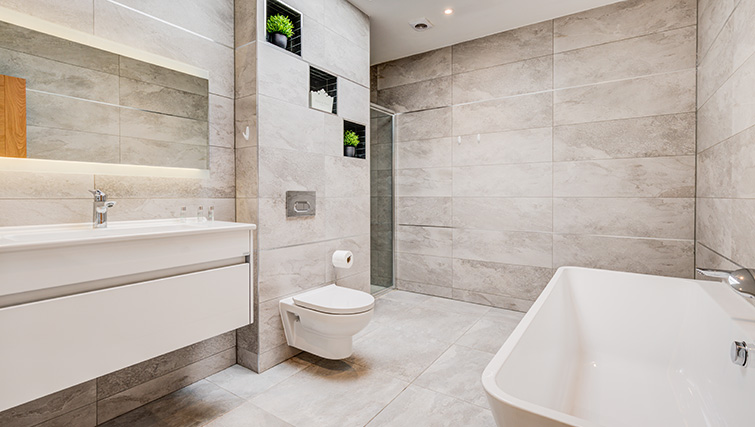 Modern bathroom at Concord House - Citybase Apartments