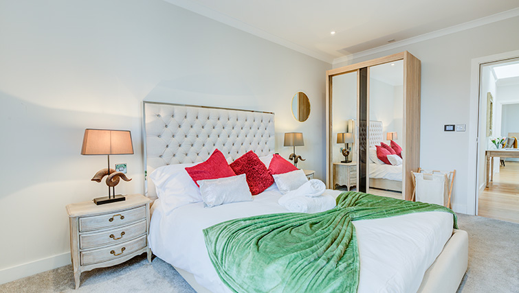 Stylish bedroom at Concord House - Citybase Apartments