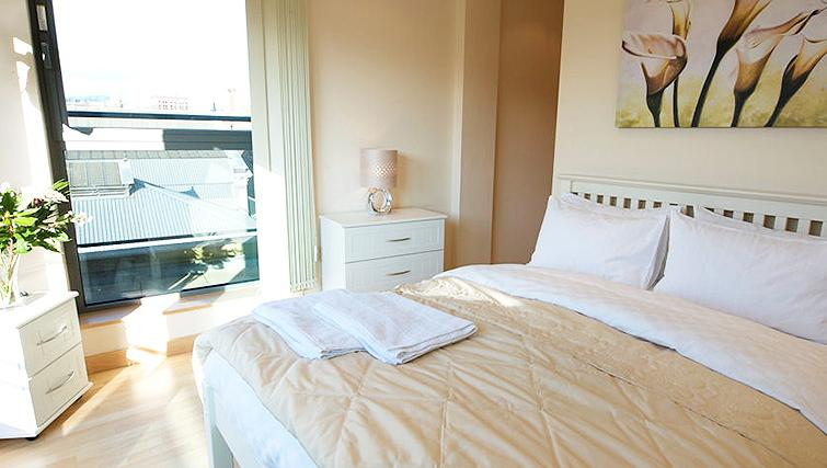Stylish bedroom in Deansgate Apartments - Citybase Apartments