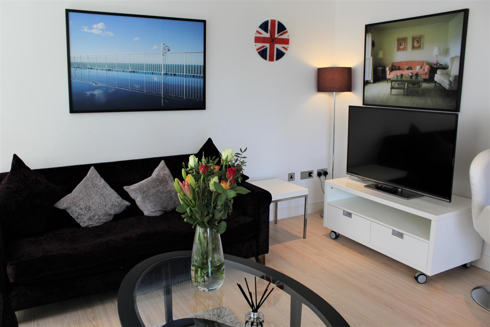 Living area at Gunwharf Quays Apartments, Gunwharf Quays, Portsmouth - Citybase Apartments