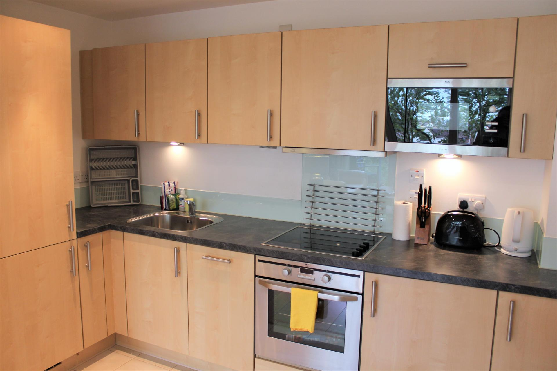 Fully equipped kitchen at Gunwharf Quays Apartments, Gunwharf Quays, Portsmouth - Citybase Apartments