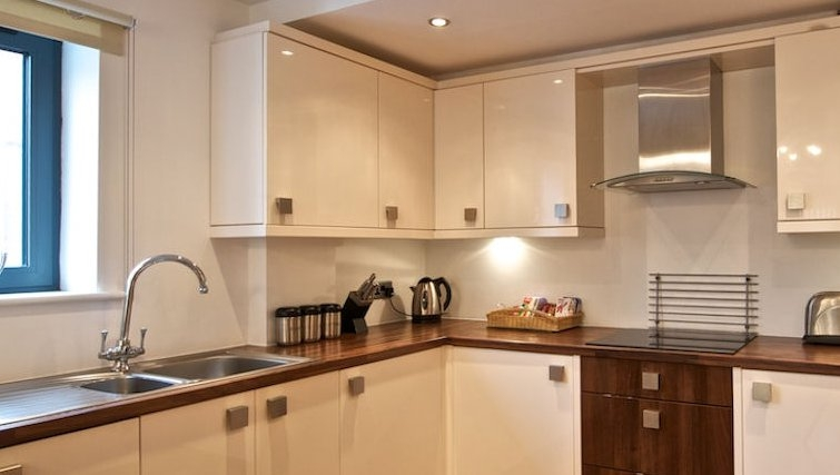Outstanding kitchen in Bloom Apartments - Citybase Apartments