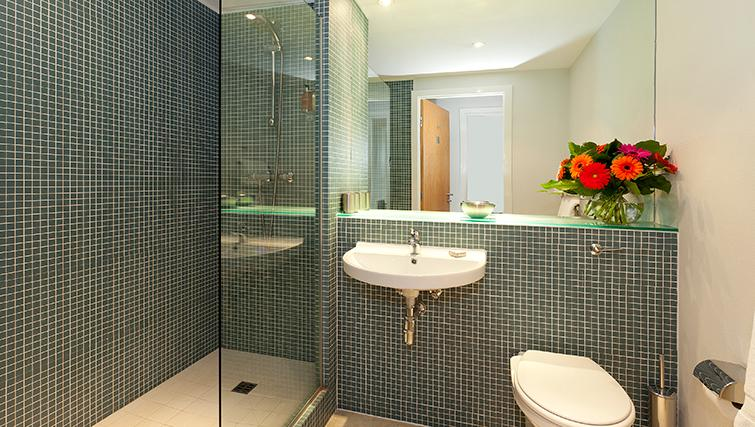 Shower in SACO Birmingham - Brindley Place - Citybase Apartments