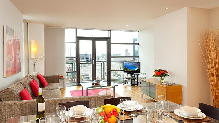 Living space in SACO Birmingham - Brindley Place - Citybase Apartments