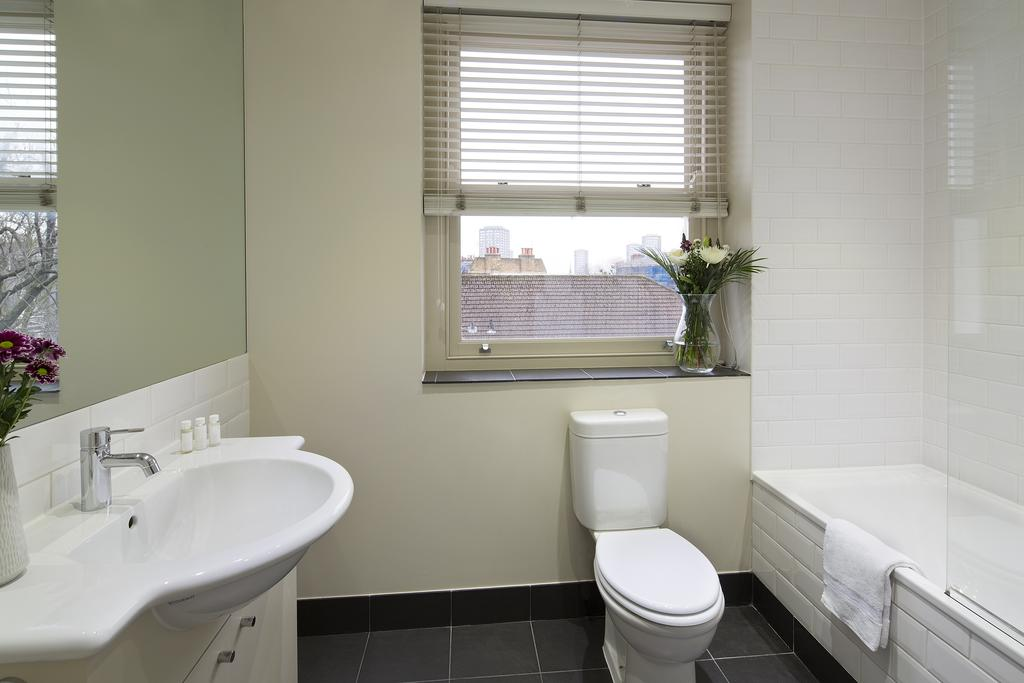 Bathroom at Portobello Market Apartments - Citybase Apartments