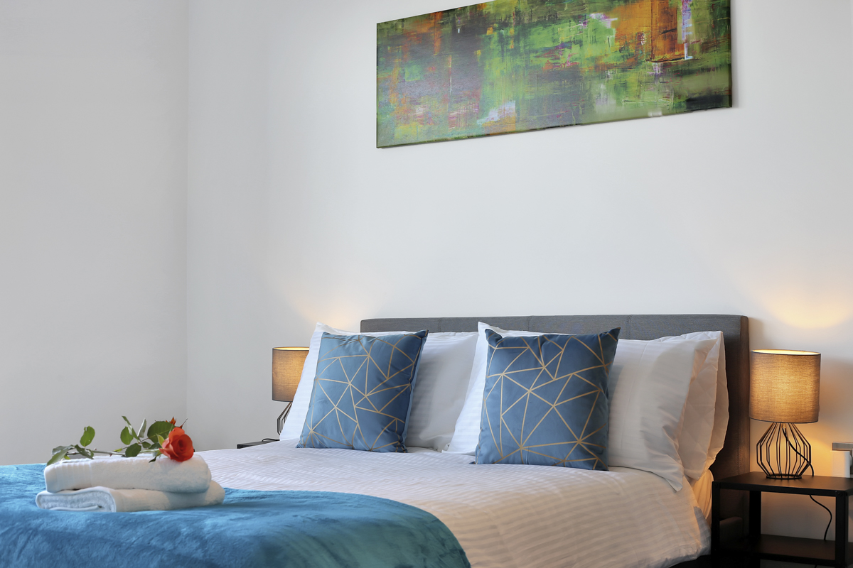Double bed at Modena Serviced Apartments - Citybase Apartments
