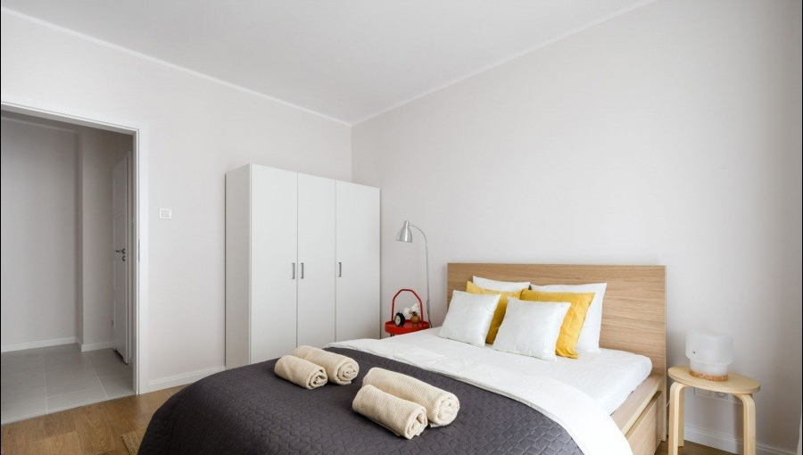 Double bed at Apartments Soho Factory - Citybase Apartments
