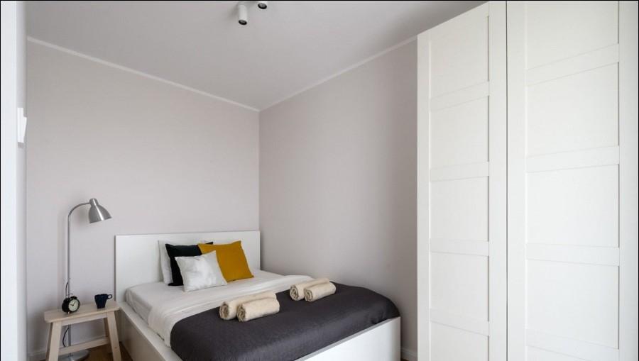 Cosy bed at Apartments Soho Factory - Citybase Apartments