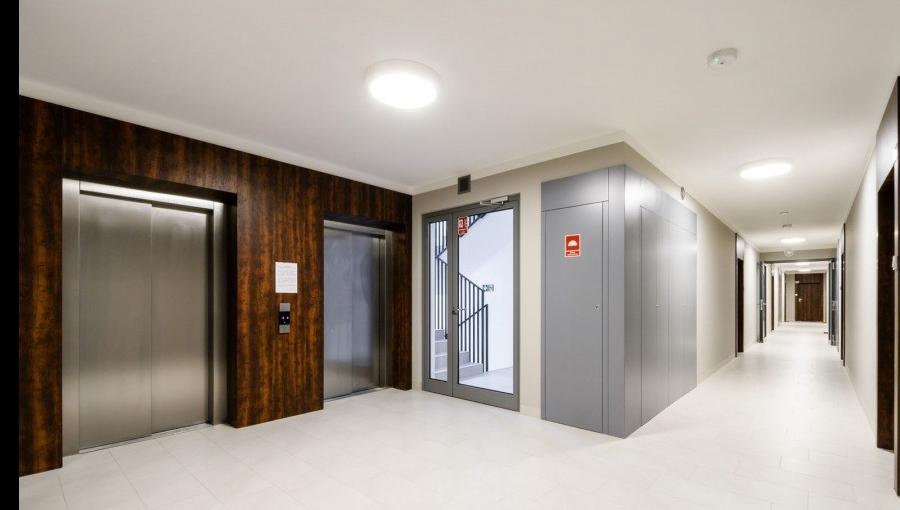 Hallway at Apartments Soho Factory - Citybase Apartments