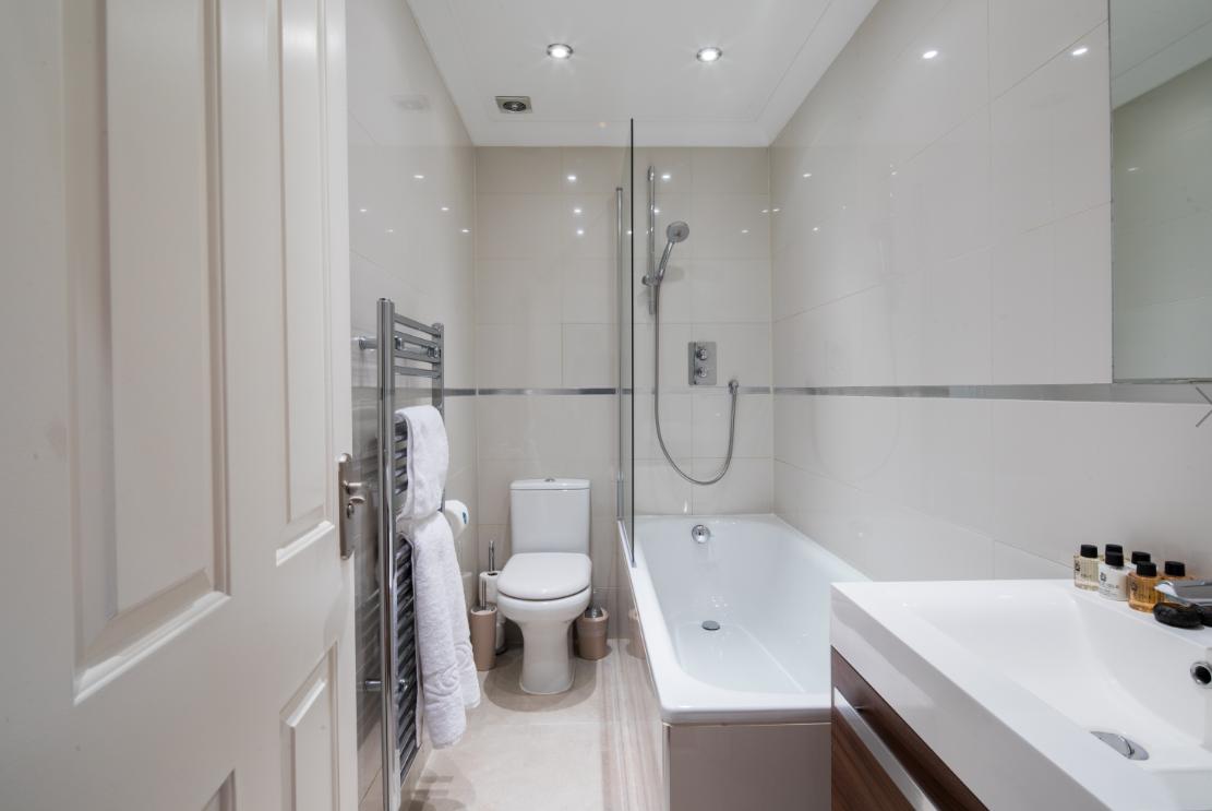 Bathroom at Lexham Gardens Apartments - Citybase Apartments
