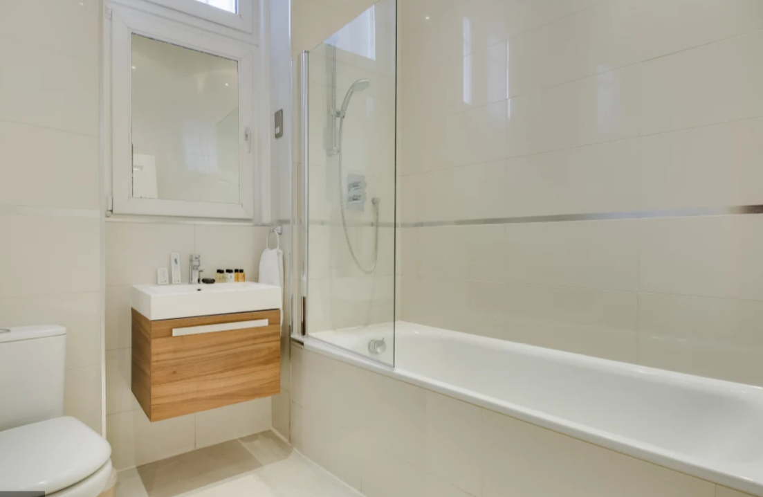 Bath at Lexham Gardens Apartments - Citybase Apartments