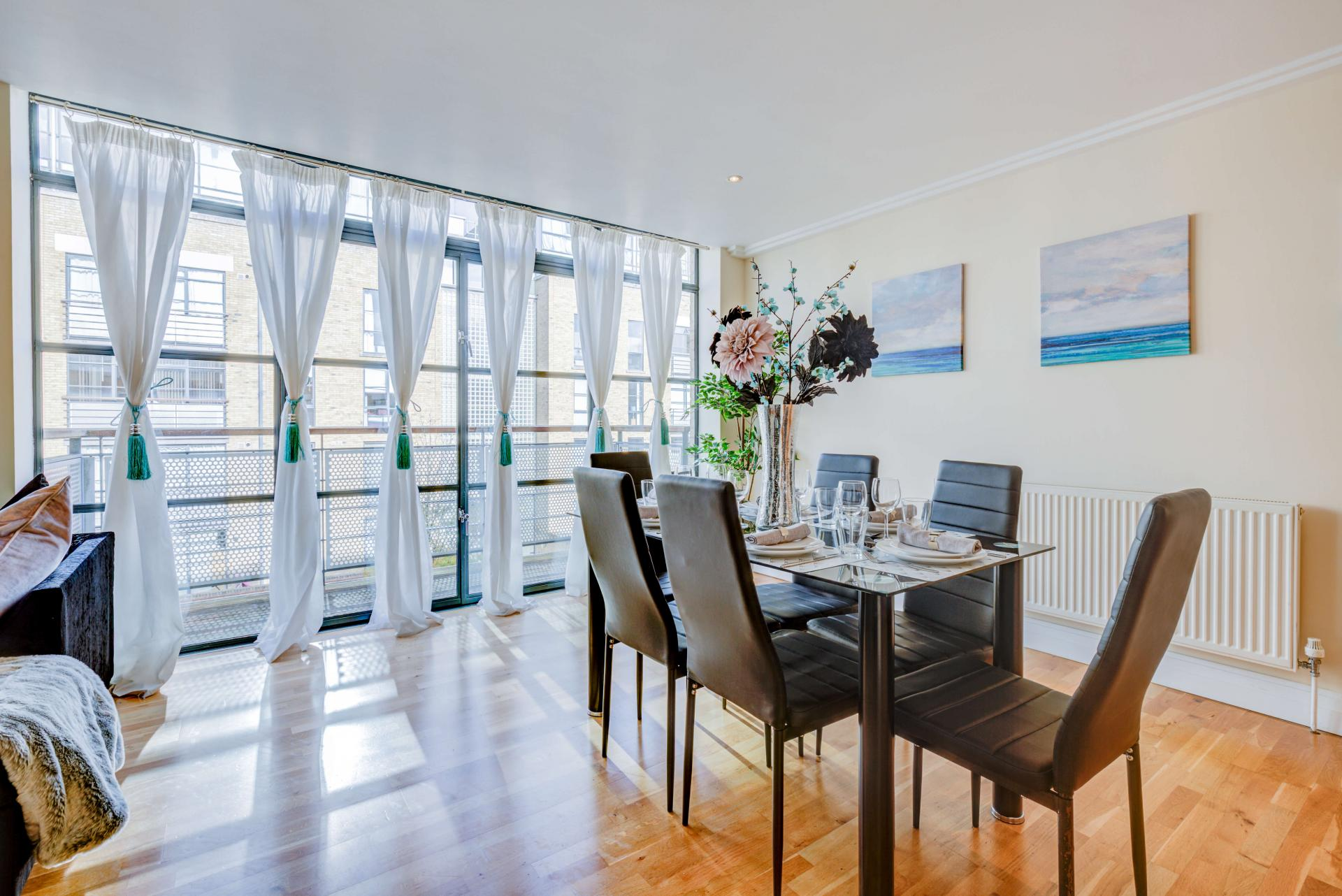 Bright living area at Town Meadow Apartment - Citybase Apartments