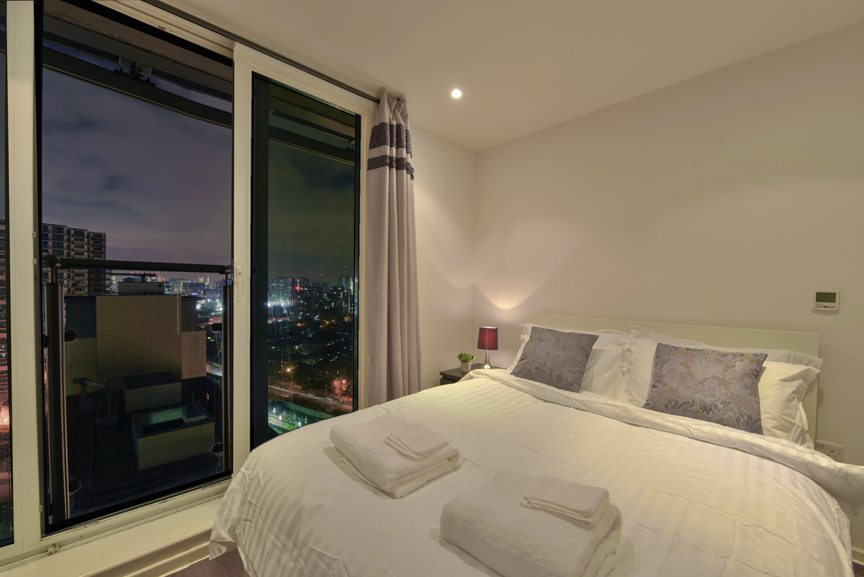 Cosy bedroom at Oxygen Apartments - Citybase Apartments