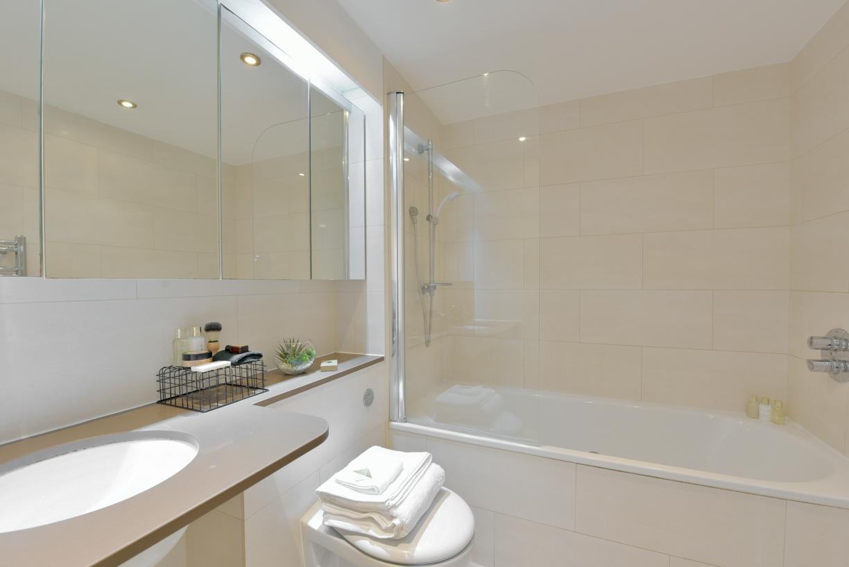 Bathroom at Oxygen Apartments - Citybase Apartments